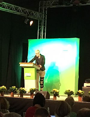 Martina Neubauer bei ihrer Rede